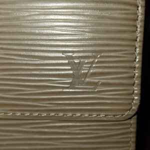 LOUIS VUITTON Epi Sarah Wallet in Grey